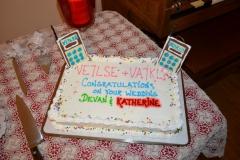 radio-wedding-cake